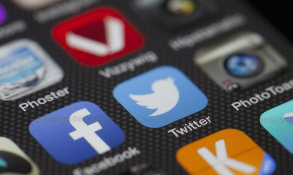 Why Every Business Should use Social Media Microblogging